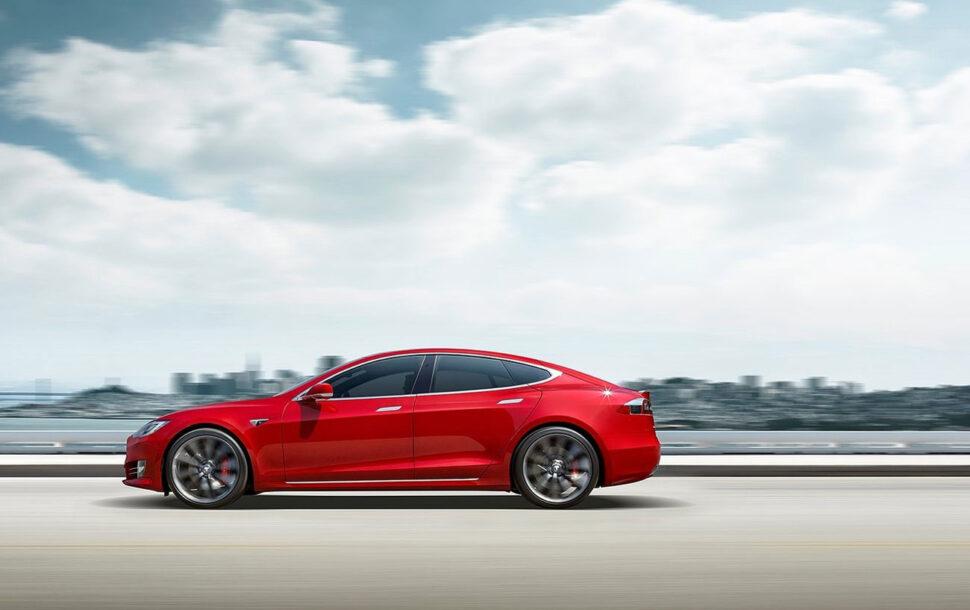 BMW CEO: 'Tesla kan industrie niet voorblijven'